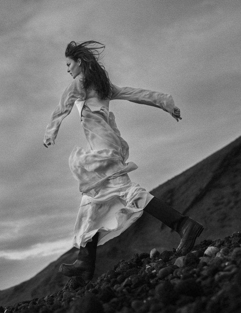 Julia-Bergshoeff-En-Tierra-Hostil-by-Txema-Yeste-Vogue-Spain-June-2018-24